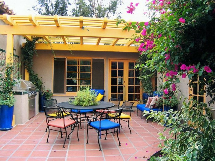 Garden with pergola42