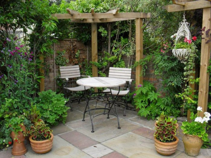 Garden with pergola9