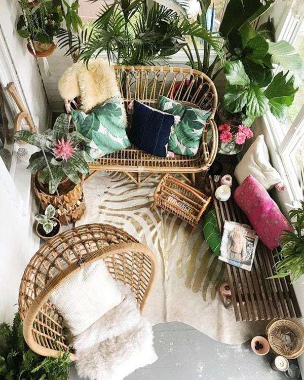 decorating small balconies1