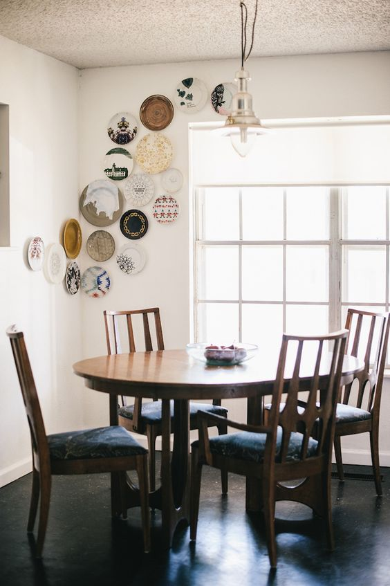 decorating walls with dishes1