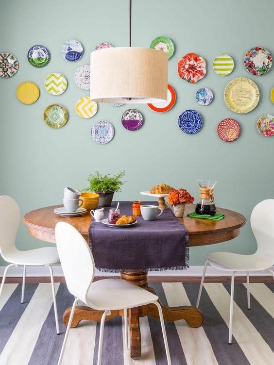 decorating walls with dishes12