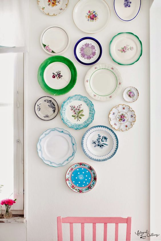 decorating walls with dishes15