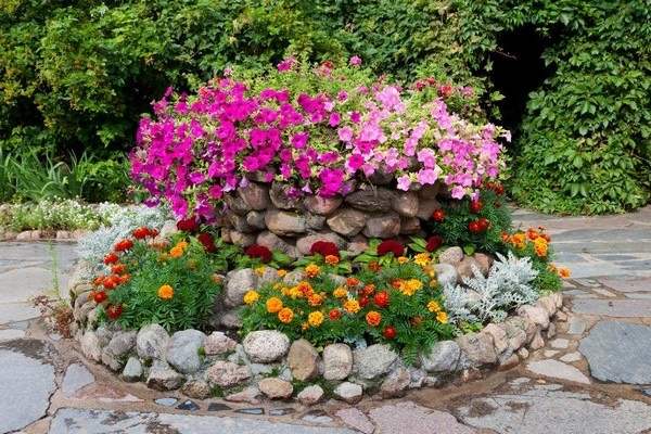 flower beds ideas (16)