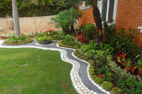 flower beds ideas (17)