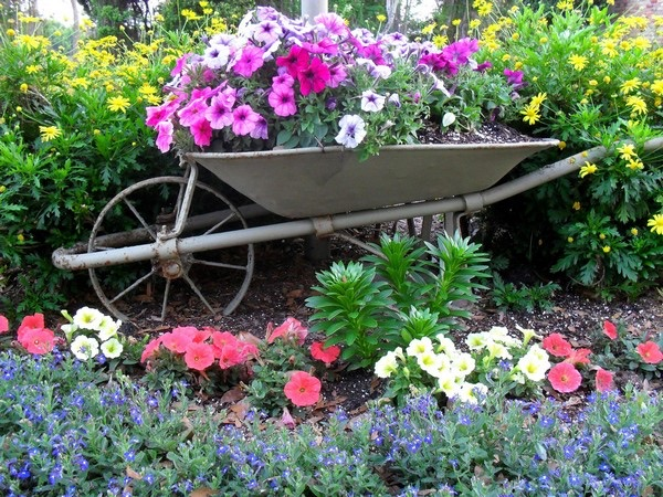 flower beds ideas (7)
