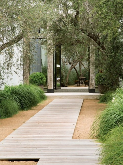 garden paths with wood11