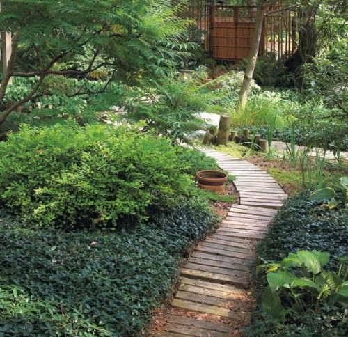 garden paths with wood15