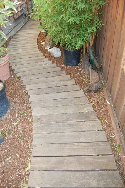 garden paths with wood16