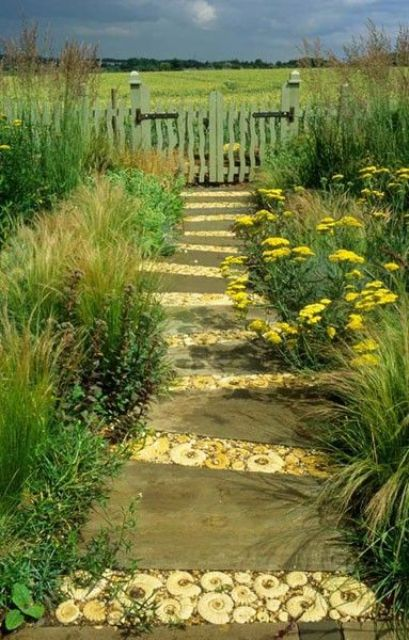 garden paths with wood17