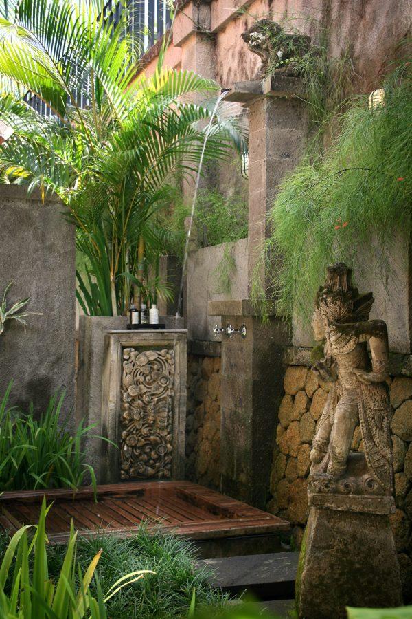 outdoor showers1