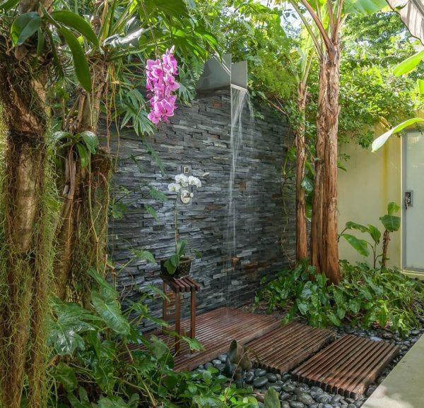 outdoor showers10