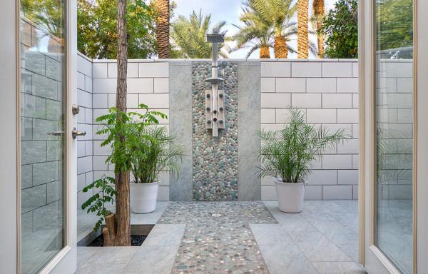 outdoor showers15