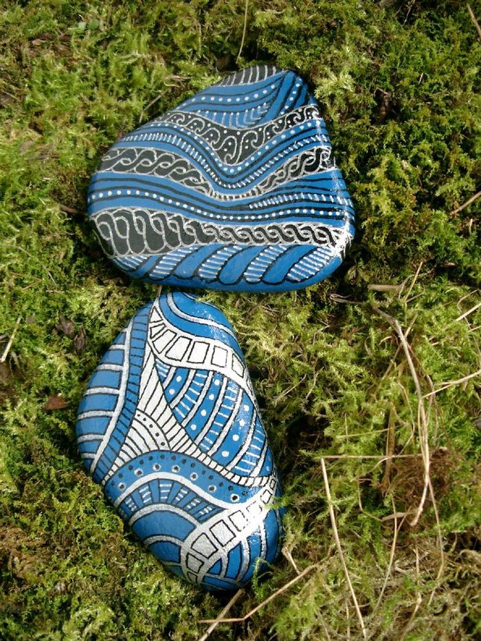 pebble painting ideas26