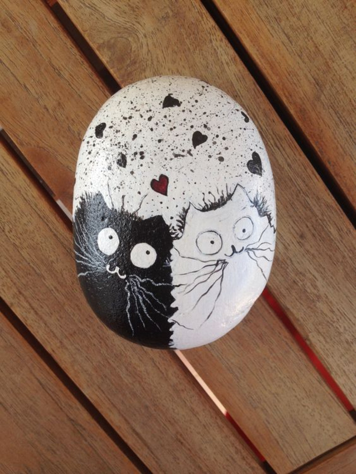 pebble painting ideas40