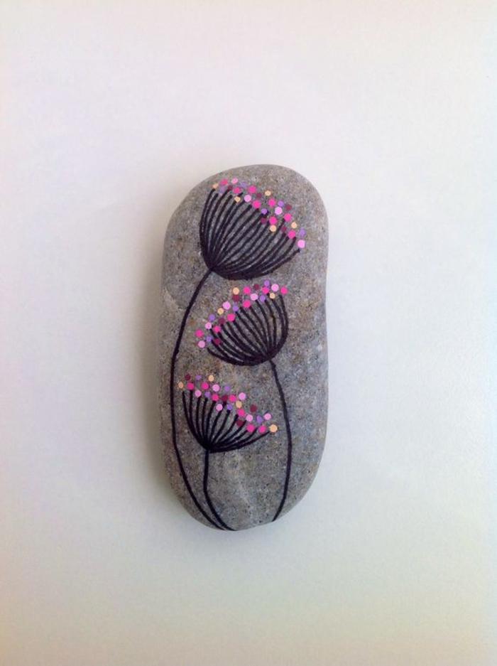 pebble painting ideas43