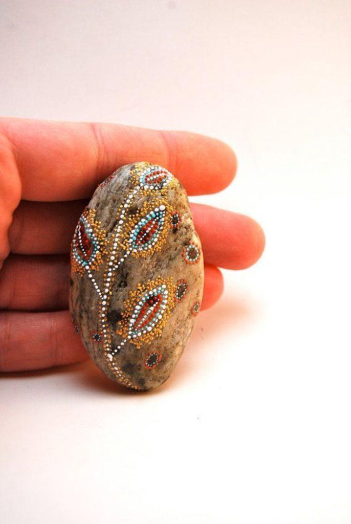 pebble painting ideas49
