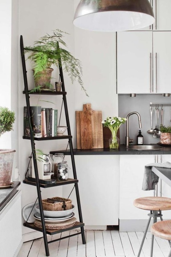 Deco trend decorating with ladders my desired home for Decor ladder house