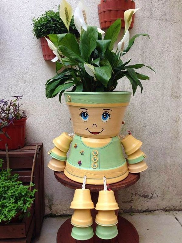 Decorations made of ceramic pots10