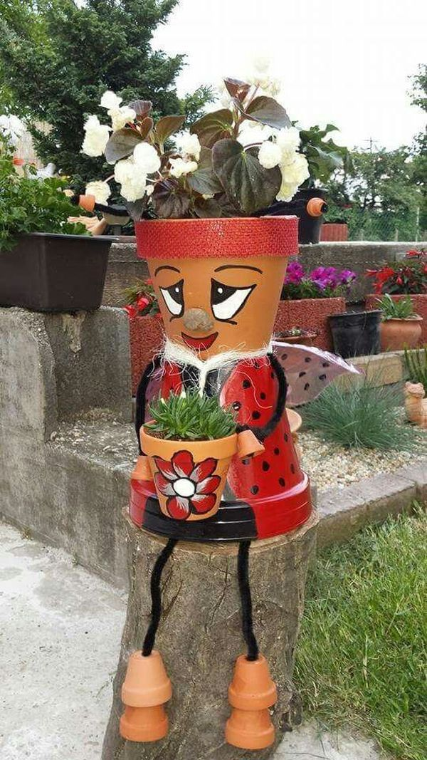 Decorations made of ceramic pots14