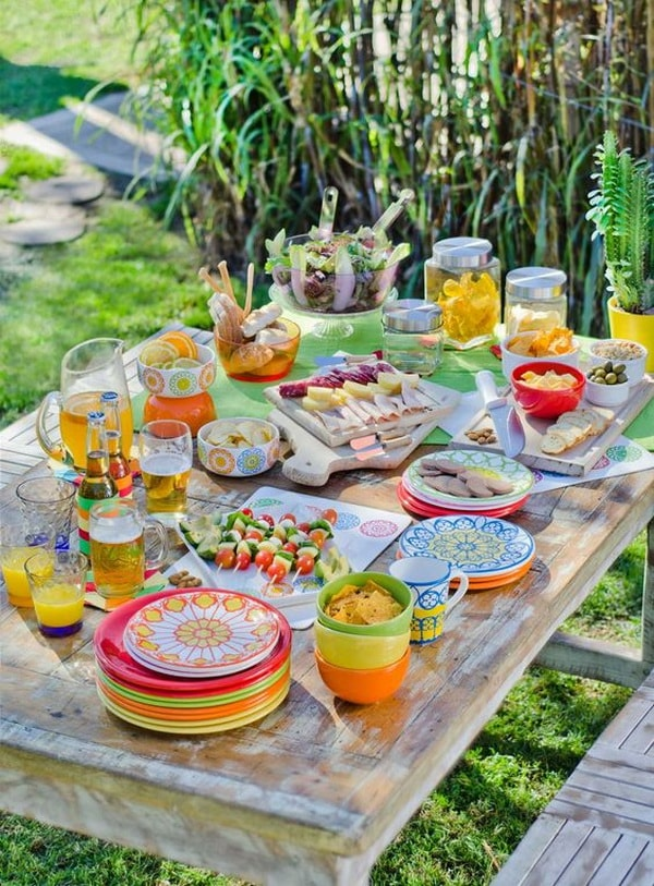 Ideas for decorating outdoor tables11