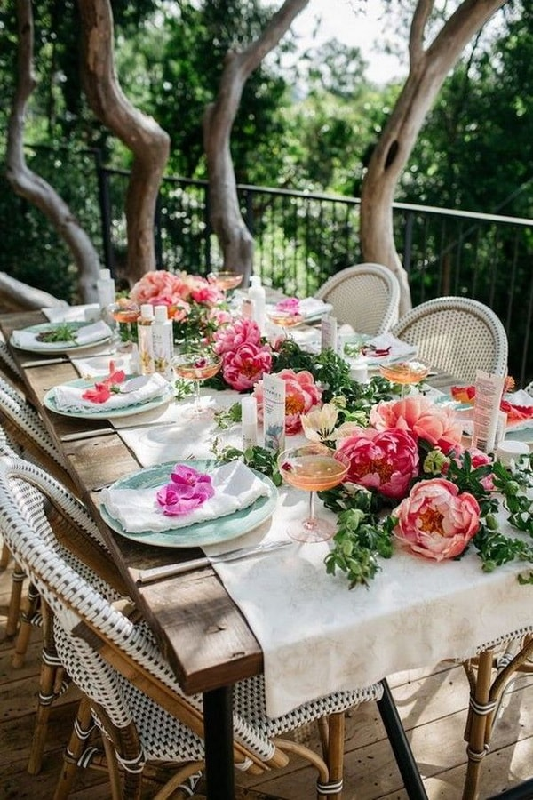Ideas for decorating outdoor tables2