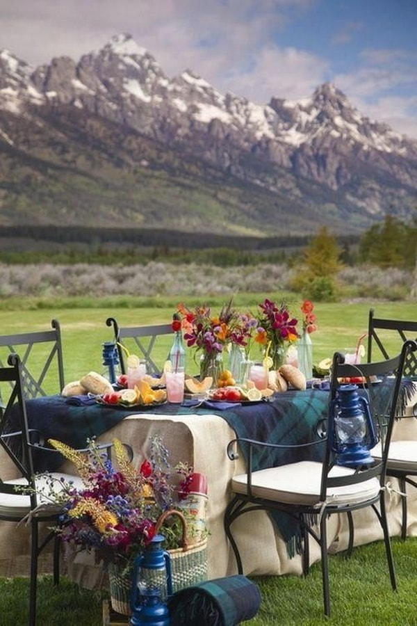 Ideas for decorating outdoor tables3