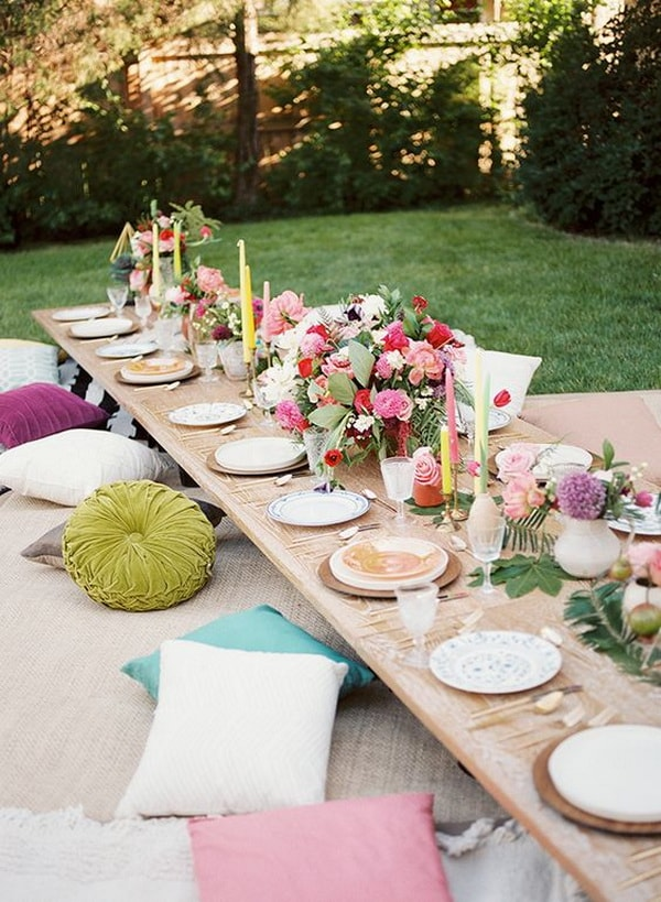 Ideas for decorating outdoor tables7