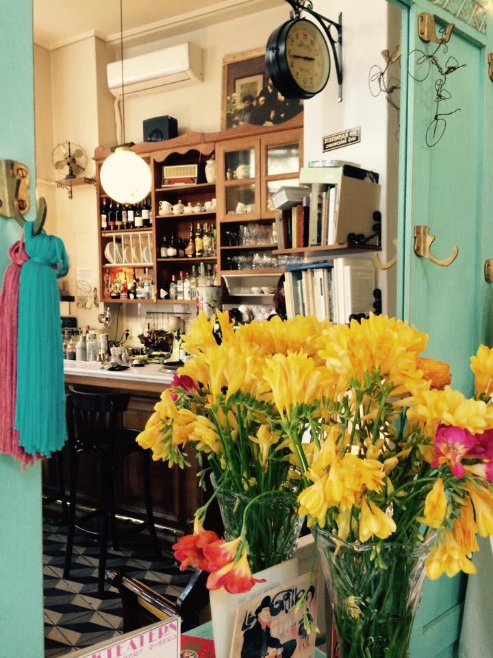 a vintage dolly tiny cafe3
