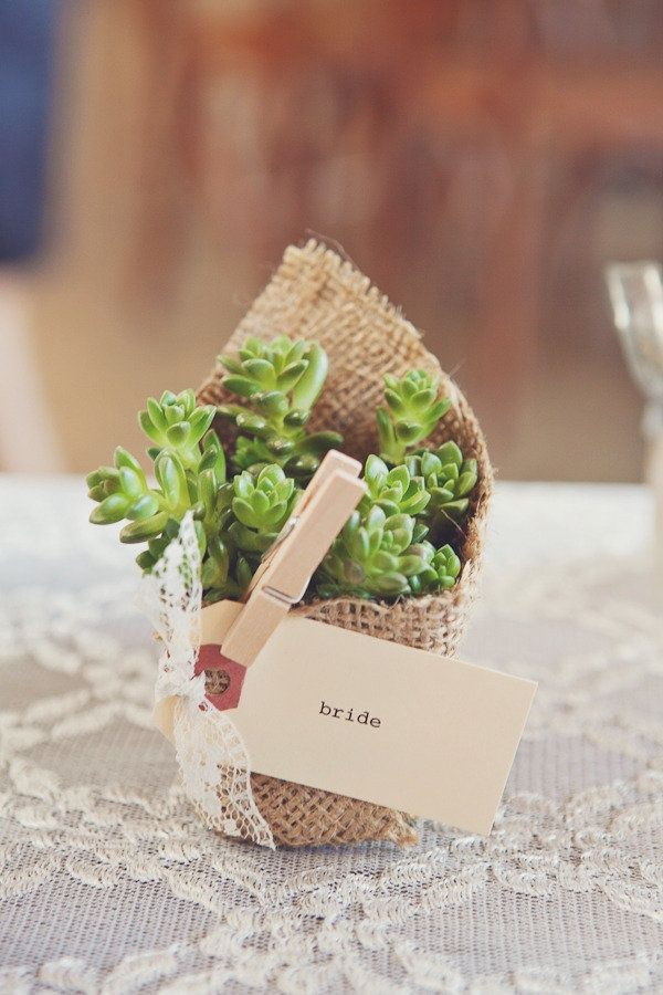 decorating ideas with burlap and lace (34)