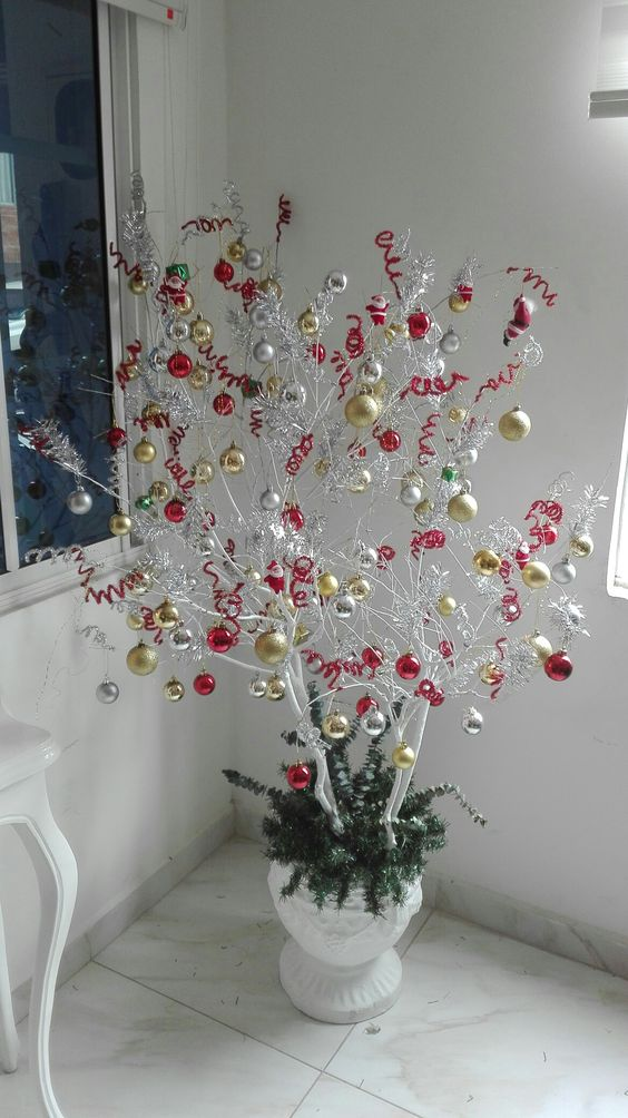 Branches Christmas tree (15)