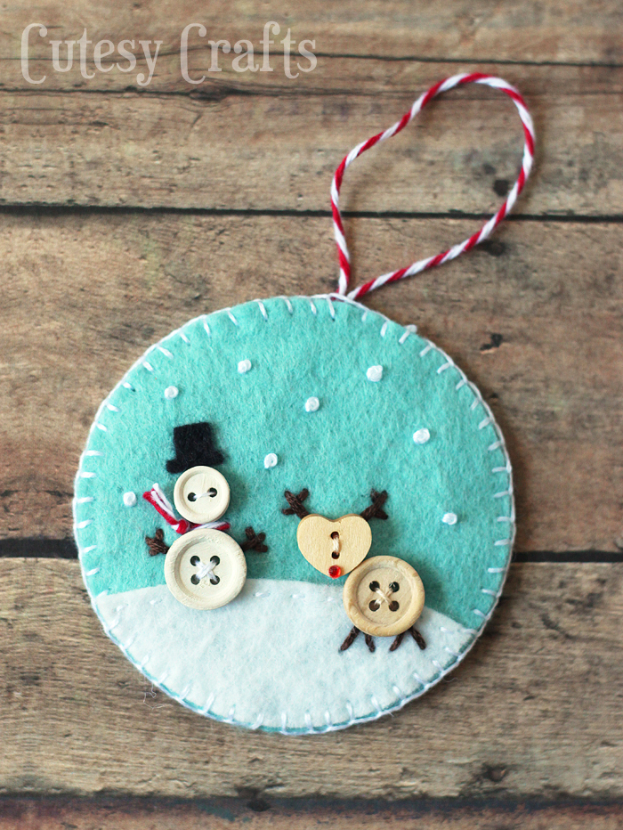 Christmas DIY crafts from buttons (10)