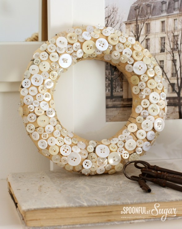 Christmas DIY crafts from buttons (7)
