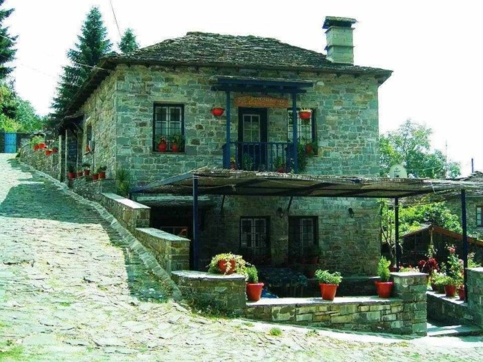 25 Dream Houses In The Mountains Of Greece That You Want