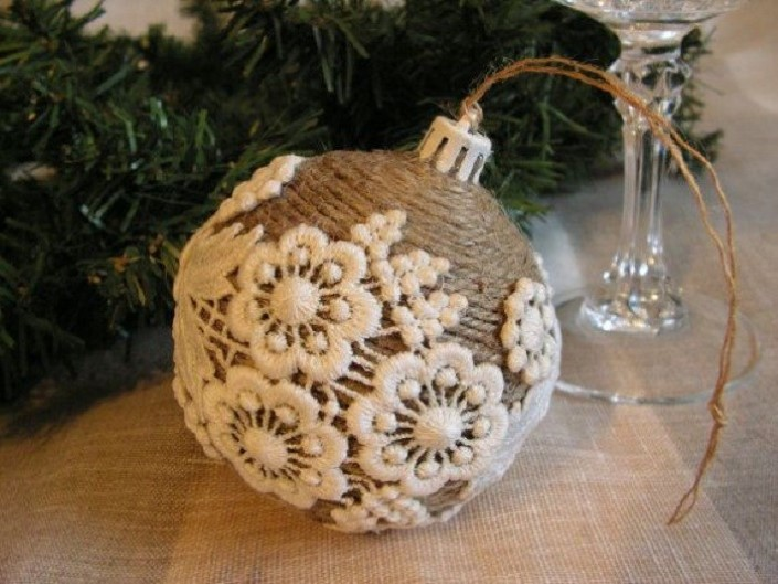 Christmas ornaments made of string (12)