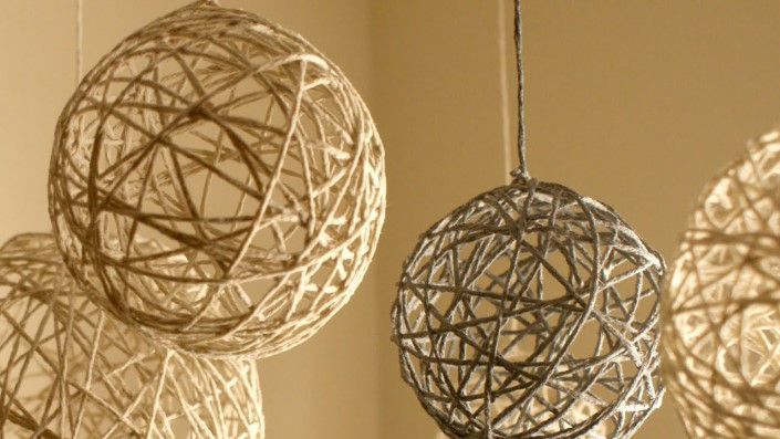 Christmas ornaments made of string (2)