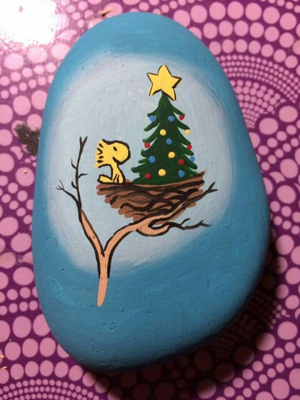 Christmas painting on stones and pebbles (11)