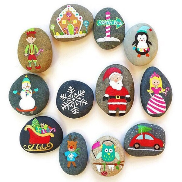 Christmas painting on stones and pebbles (21)