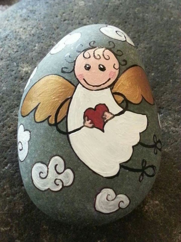 Christmas painting on stones and pebbles (29)