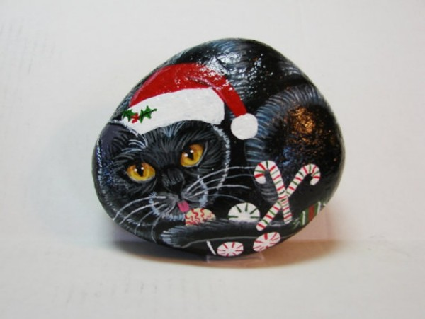Christmas painting on stones and pebbles (31)