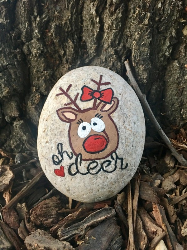 Christmas painting on stones and pebbles (45)