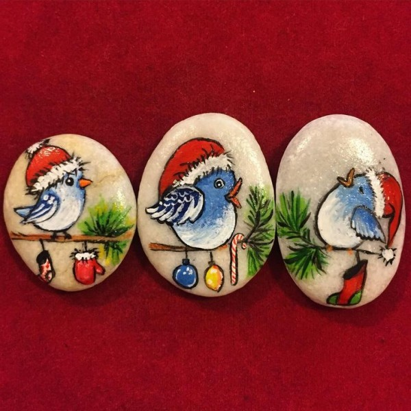 Christmas painting on stones and pebbles (61)