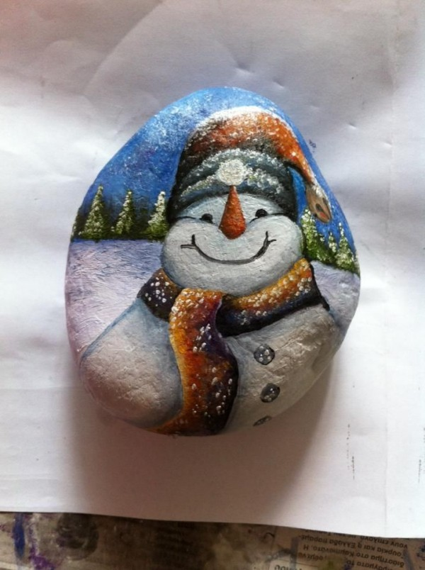 Christmas painting on stones and pebbles (96)