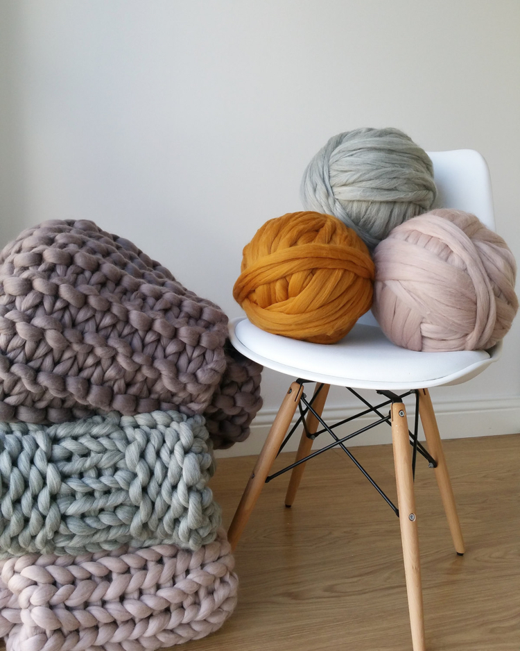 knitted decoration with thick yarns (11)