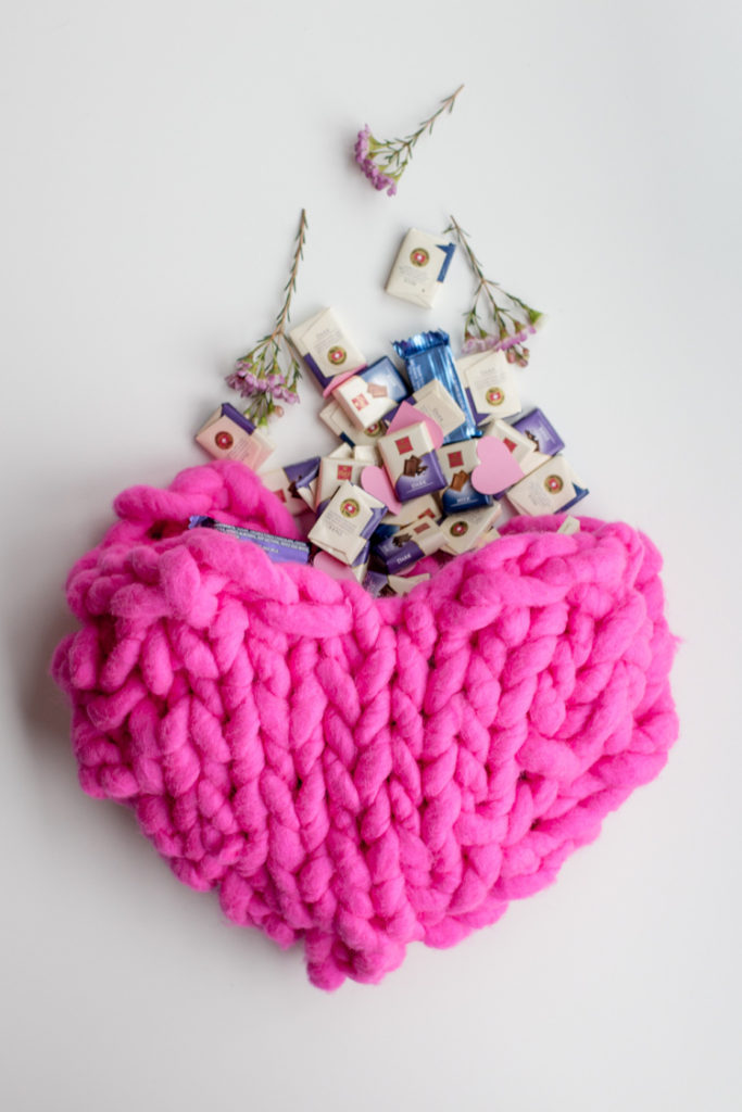 knitted decoration with thick yarns (29)