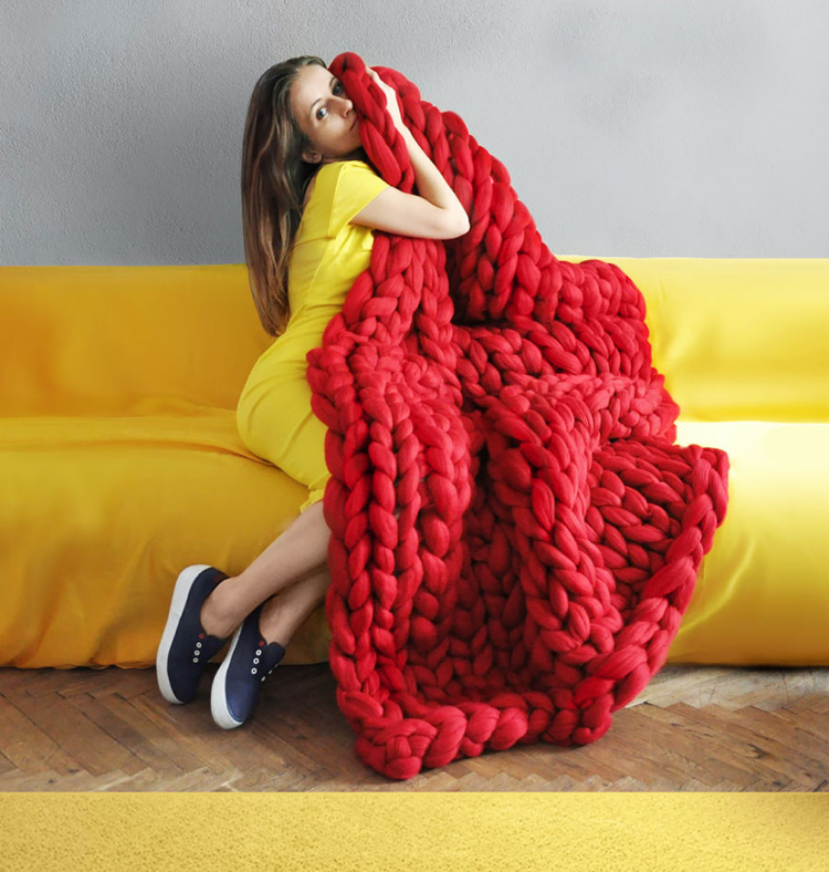 Xxl Knitting Yarn : Xxl knitting blankets pillows made of giant yarn are