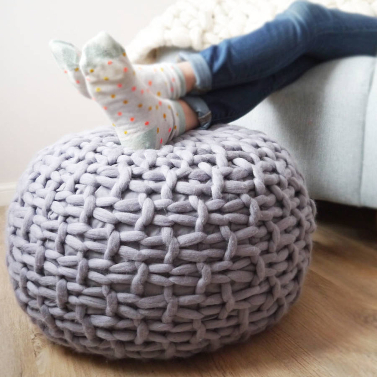 knitted decoration with thick yarns (31)