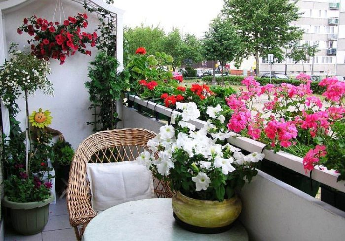 mydesiredhome - blooming balconies ideas6