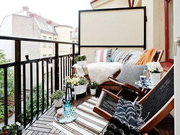 Small balcony9