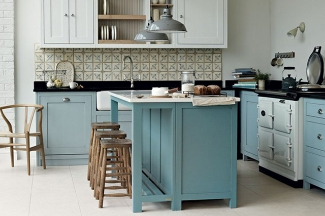 small kitchen in the style of Provence11