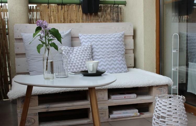 Balcony pallet Sofa ideas12